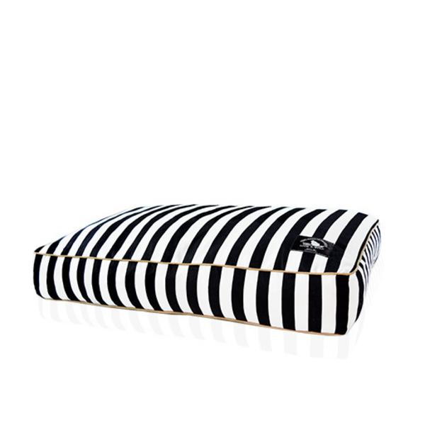BLACK STRIPE BED