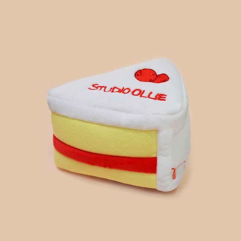 스튜디오올리 삑삑이 장난감 인형 얌얌 스너플 크림베리 케이크